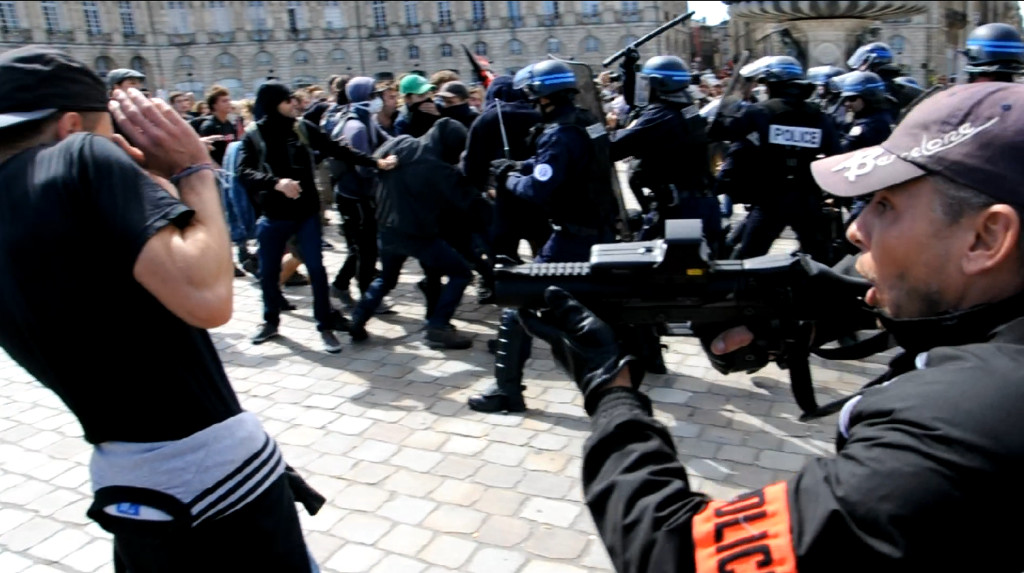 2019_09_15_manif_loi_travail_confrontation_police2